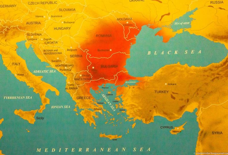 Карта юго-востока Европы и Причерноморья, распространение фракийских артефактов показано интенсивностью красного цвета