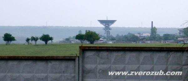 Гарнизон Школьное, вид на антенну станции дальней космической связи
