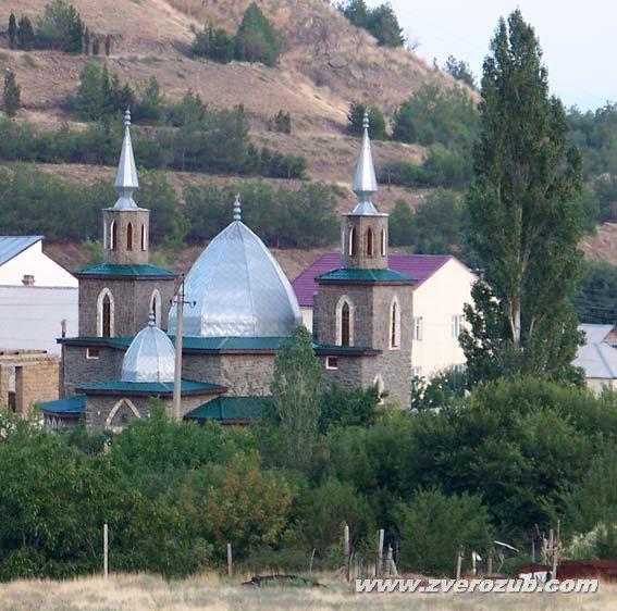 Новая мечеть в поселке Солнечная долина (Коз). Судак