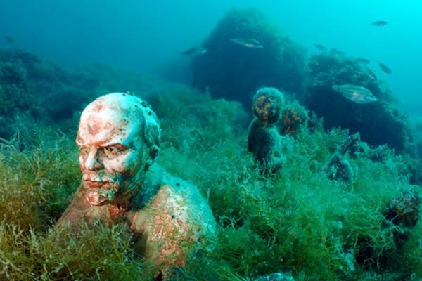 Аллея вождей на дне Черного моря у мыса Тарханкут