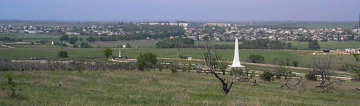 Вилино, вид на Альминский мемориал от холма со старым черешневым садом