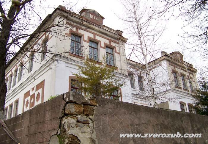 Здание школы немецкой колонии