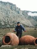 пифосы у крепости Фуна и вид на Долину Приведений (Юж.Демирджи)